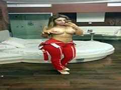 Garota de Programa Camila Ferrari Dando o Cuzinho